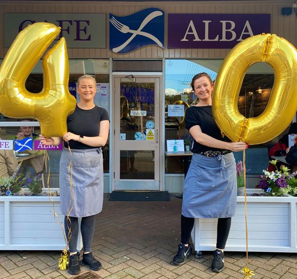 WHW40 balloons Cafe Alba